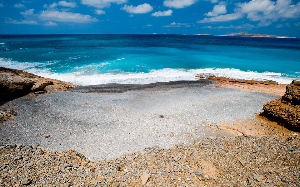 The secluded cove of Antiperatos beach.