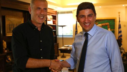 Συνάντηση του Υφυπουργού Πολιτισμού και Αθλητισμού Λευτέρη Αυγενάκη με  τον Δήμαρχο Πειραιά και  πρόεδρο της ΠΑΕ Ολυμπιακός, Γιώργο Μώραλη