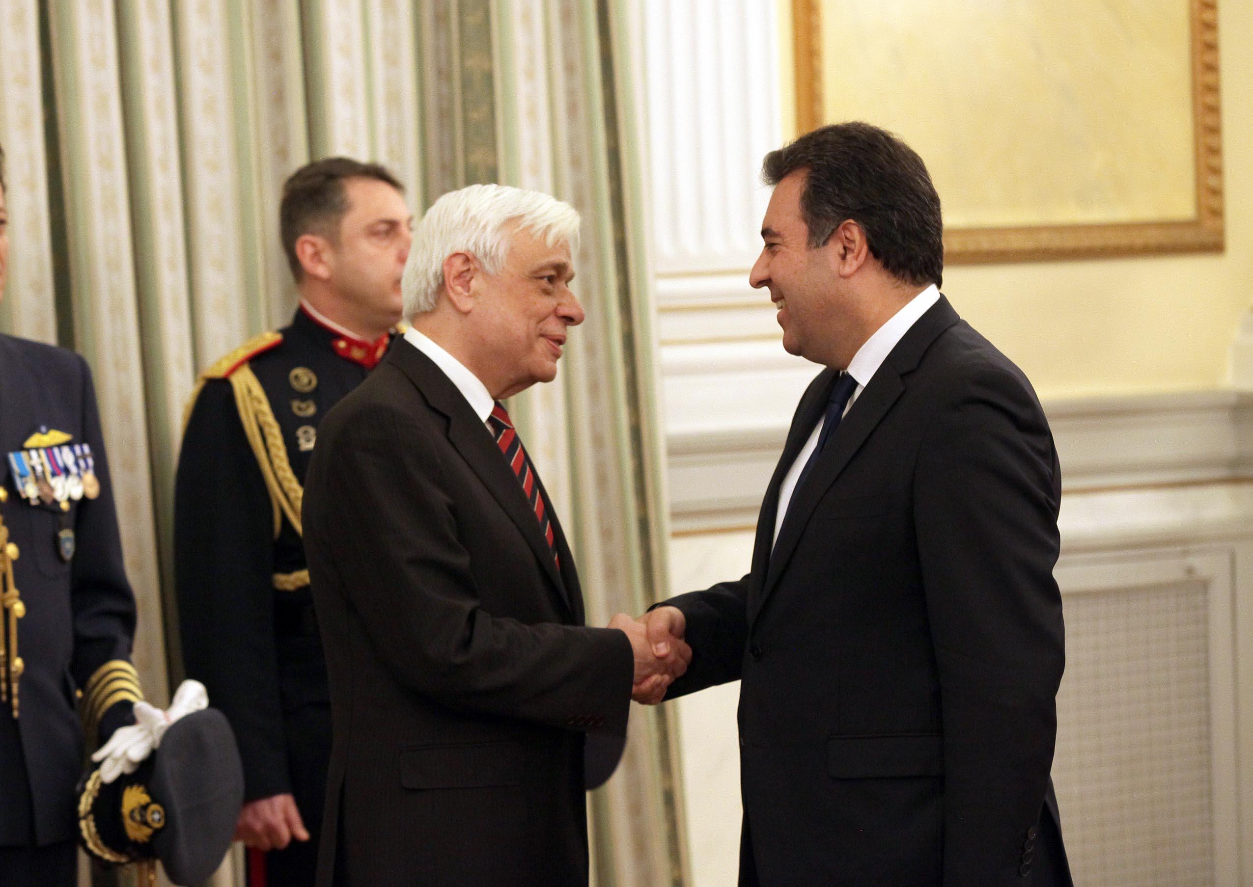 Ο Πρόεδρος της Δημοκρατίας Προκόπης Παυλόπουλος και ο βουλευτής Δωδεκανήσου Μάνος Κόνσολας
