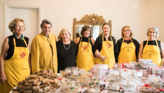 ΔΩΔΕΚΑΝΗΣΙΑΚΗ ΜΕΛΙΣΣΑ-ΕΠΙΤΡΟΠΗ ΡΟΔΟΥ: Με εξαιρετική επιτυχία υλοποίησε Bazaar στην Αθήνα με προϊόντα του τόπου μας για τη στήριξη άπορων Δωδεκανήσιων φοιτητών