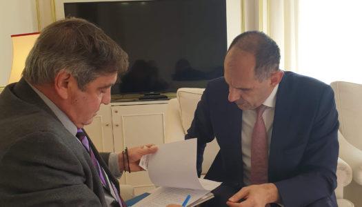 Ο Υπουργός Επικρατείας Γιώργος Γεραπετρίτης συναντήθηκε με τον Δήμαρχο Ηρωϊκής Νήσου Κάσου Μιχάλη Ερωτόκριτο