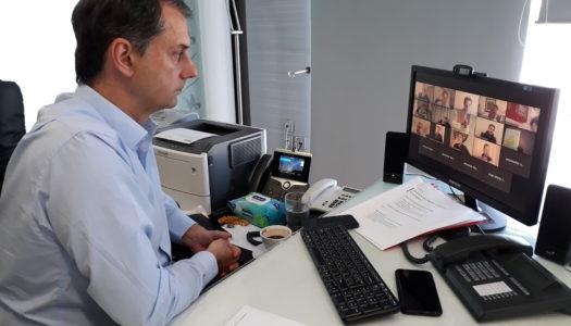 O Υπουργός Τουρισμού κ. Χάρης Θεοχάρης και ο Υφυπουργός κ. Μάνος Κόνσολας σε τηλεδιάσκεψη με το Περιφερειακό Συμβούλιο Τουρισμού