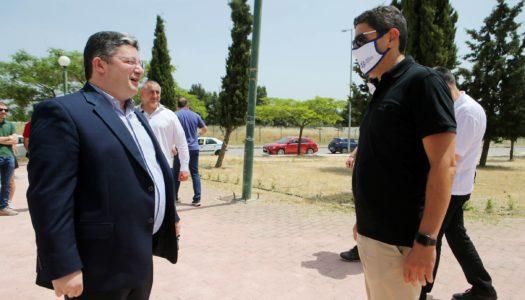 Αυτοψία του Υφυπουργού Αθλητισμού Λευτέρη Αυγενάκη στο αναξιοποίητο αθλητικό κέντρο του Ολυμπιακού Χωριού, που περνάει στη ΓΓΑ