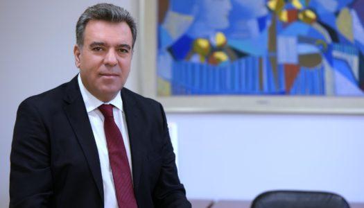 Παρέμβαση του Μάνου Κόνσολα σε τρεις υπουργούς, με προτάσεις για τη στήριξη εργαζομένων, επαγγελματιών και ανέργων σε τουρισμό και εστίαση