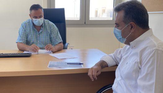 ΜΑΝΟΣ ΚΟΝΣΟΛΑΣ: Να γίνει η Κάρπαθος πρότυπο και σημείο αναφοράς και στον κατ' οίκον εμβολιασμό-Εγκατάσταση ασθενοφόρου στην Όλυμπο